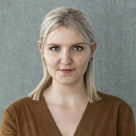 Porträttfoto på Antonia Hallberg, kommunikatör