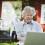 Stimulerande värld för äldre på nätet