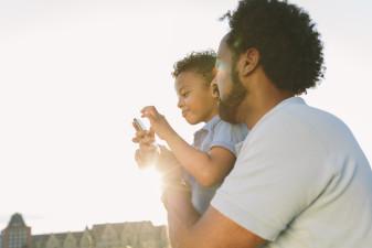 Männen tar över familjekontakter