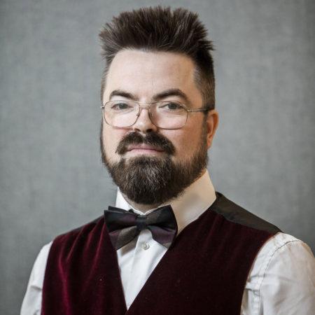 Porträttfoto på Andreas Björke, forskningssekreterare